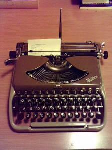 Groma Kolibra Typewriter