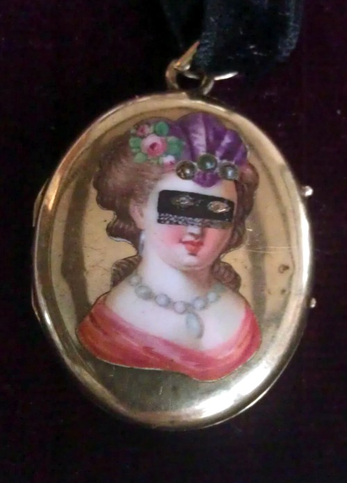 1850 Masquerade locket